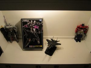 Picture of MP-06 Skywarp